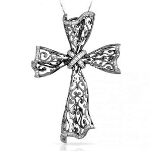Belle etoile Antoinette Cross Pendant