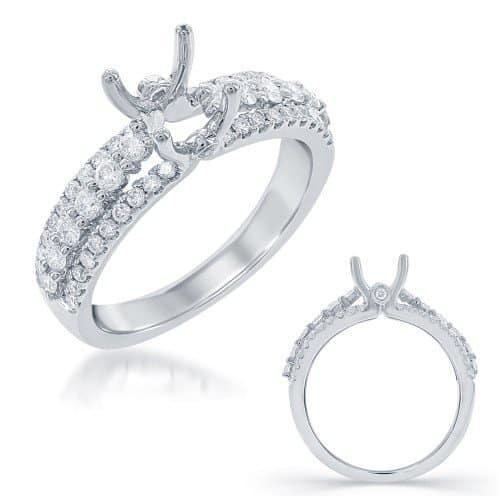 Engagement ring, set with 54 round brilliant cut diamonds