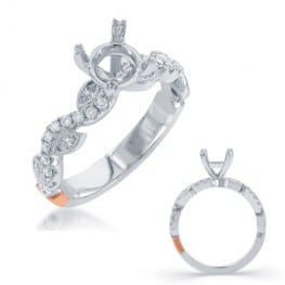Engagement ring, with round brilliant and marquise diamond accents
